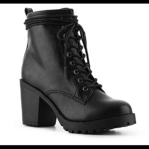 Zigi Soho Kourtlan ankle boots-NIB